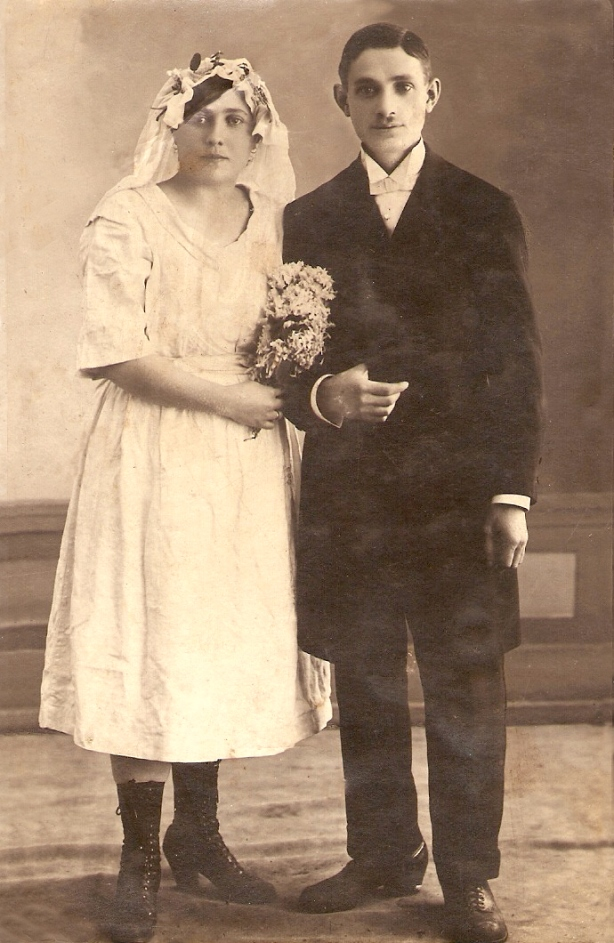 Wedding of Tobias [Efraim Tuvia], son of Oskar [Osher] Klionsky(1861 - 1943), Wilno, Lithuania, 1922